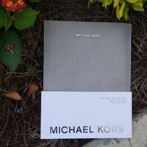 MICHAEL KORS Sleeve for iPad Pearl Gray NIP